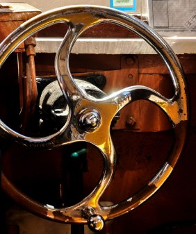 Loved the old, coppery steering wheel!